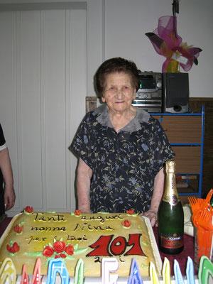 Nonna Nina nel giorno dei suoi 101 anni