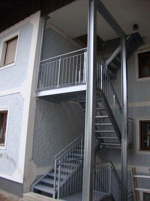 Treppenturm aus Stahlkonstruktion verzinkt