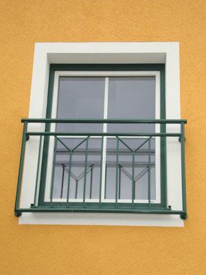 französischer Balkon Stahl verzinkt und  pulverbeschichtet
