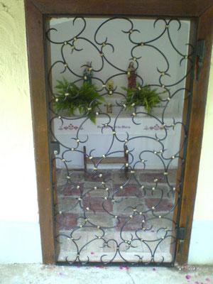 Schmiedeeisentür verzinkt, lackiert und patiniert