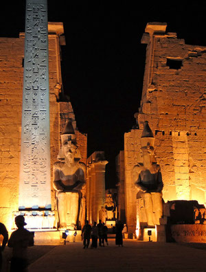 Luxor-Tempel abends