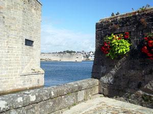 Murs de la ville close de Concarneau. RLM 2012