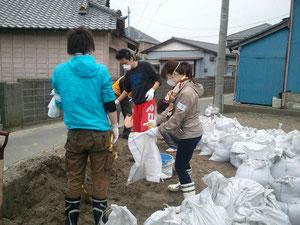 土砂処理やゴミの片づけ