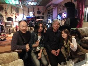 ROCKS  ギター&ボーカル大和田さんと!スプロケメンバーの、感激でテンションあがってる表情に注目!