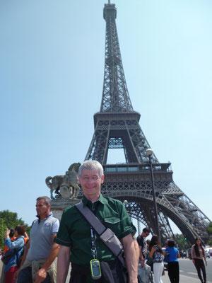 Am Eiffelturm in Paris, Frankreich