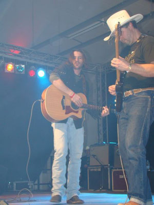 Dan with Cody Jinks in Berlin 2009