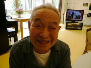 本日は食べる専門だった男性利用者様(^^)美味しいよ~と、最高の笑顔を向けてくださいました。