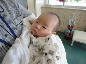 初めまして、みおちゃんです(*^^*)      可愛い~~~!丈夫に育ってね☆