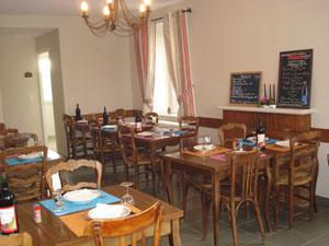 La salle de restaurant de 26 couverts
