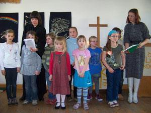 Spatzenkinderchor im Gottesdienst 2010