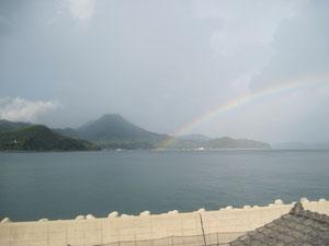 本社事務所より竜ヶ岳を望む・島々を結ぶ 虹