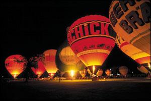 Ballon glühen - Heißluftballonfestival.