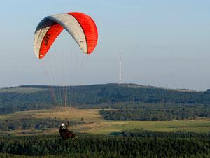 Paragliding Wasserkuppe: Quelle: Arnulf Müller