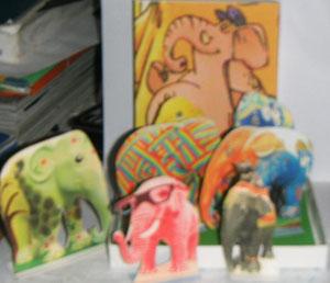 Elephant gris deuxième: découverte de l'expo d'éléphants divers dans les rues de Londres...