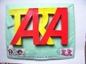 Tara, celui-ci est unique en son genre! Construit en bristol....
