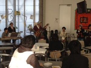 こちらコンボバンド 坂道のアポロンにでてくる曲を演奏してました(@^^)/