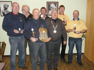 Dieter, Wernhard, Willi, Thomas, Hans-Jörg und vorne Dieter u. Bubi