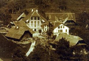 Luthern Dorf, Riegelbau Gasthaus Krone und Umgebung, Ausschnitt aus altem Foto vor 1900  (KR 1)