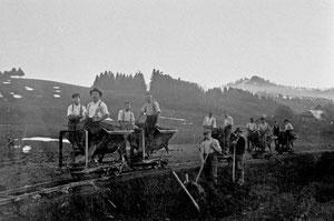 Luthern, Werniseggstrasse, Rollwagenarbeit vor Unter Wernisegg  (WS 3)