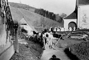 Luthern Dorf, Der Hörnlistutz zwischen Krone und Sonnenplatz wird abgetragen und verflacht  (DS 2)