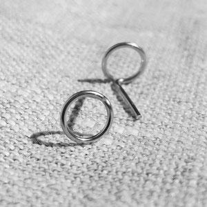 Weitere Ringe, Ohrstecker und Ketten  mit geometrischen Symbolen