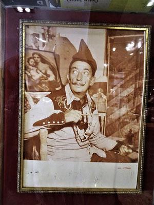 Dalí wie man ihn kennt (Bild im Hotel Duran)