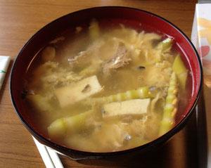 サバ缶入りのタケノコ汁は私たちのソウルフード