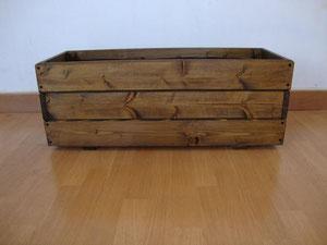 jardinera de madera 100x30x30=36€