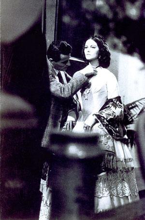 Giovanni Battista Poletto, Piero Tosi acconcia Claudia Cardinale sul set de Il Gattopardo, 1962