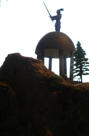 Ritterdenkmal im Glosshainer Gebirge
