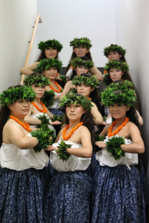 Maika'i+Hokuleleクラス 曲:Kahi Kai Ao Mamala