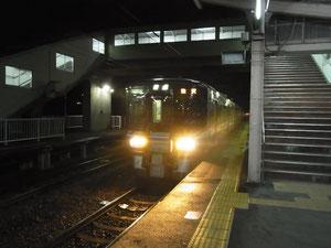 帰途に乗ったJR北陸本線(越前花堂駅にて)