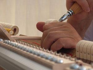 restauro riparazione pianoforti acustici