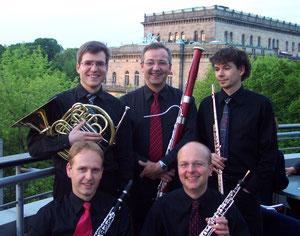 (Frank Strauch: Klarinette, Nicolai Borggrefe: Oboe, Martin Hecht: Horn, Berthold Weber: Fagott, Ralph Töpsch: Flöte