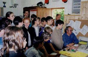 Ai giovani vengono mostrate le varie attività del club