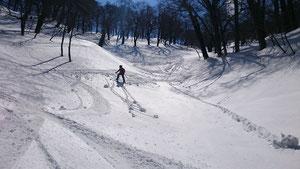 常行谷 雪は重い