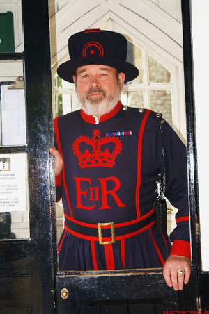 Tower of London, Beefeater)