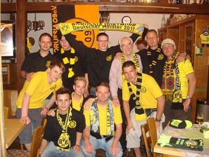 Unser Fanclub nach dem Sieg gegen Nürnberg beim Pauly... Meister!