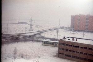 Calle de los Cantos (a la altura del polideportivo, antes de construirlo) Años 80 (fotografía cortesía de Alberto García)