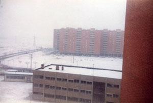 Calle de los Cantos (a la altura del polideportivo, antes de construirlo) Año 78 (fotografía cortesía de Alberto García)