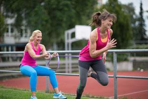 Sprinttraining-in-Partnerübung-Schmerzfrei-fit-und-kraftvoll-durch-Personal-Training-in-Flensburg