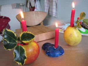 Drei Kerzen brennen nun...