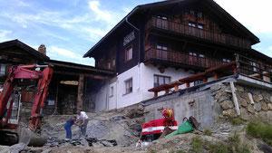 Felsabtrag für einen Terrassenanbau