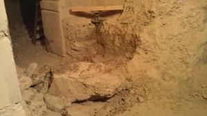 Abbau Betonfundament im Keller