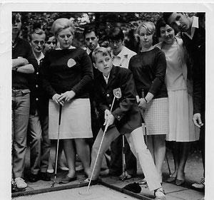 Eva-Marie Thum (links im Bild). Spielte 1967 noch für den 1. SCMG Hannover