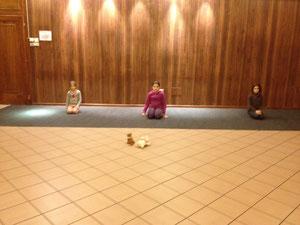 studio per una coreografia con bimbe di 7-8 anni
