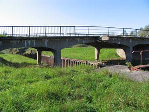 2009 г Топлакен - Толпаки старый мост через Прегель и шлюз