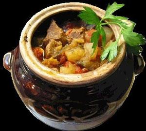 Tschanachi  (Lammfleisch mit Gemüse im Topflein gebacken)