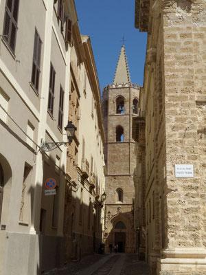 Rue d'Alghero, au fond : Eglise St François