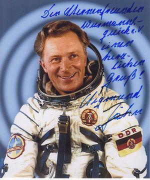Sigmund Jähn (erster Deutscher im Weltraum; in der Sternwarte ausgestellt)